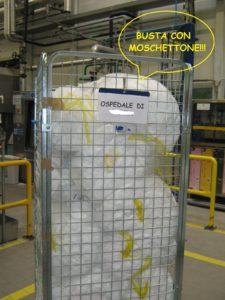 roll container, lavanderia industriale, identificazione roll, busta con moschettone , portadocumenti